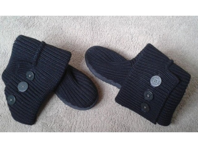Cardigan Ugg Boots | FreeAds.info