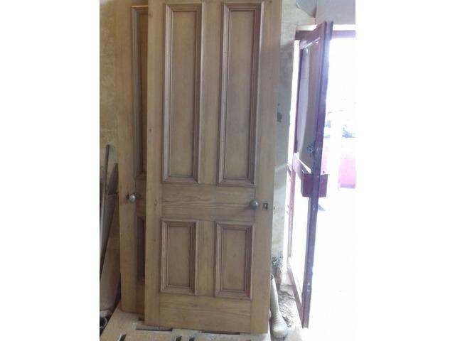 Oak Door stripping   FreeAds.info