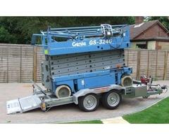 GENIE GS3246 SCISSOR LIFT & 2009 3.5 ton TILT TRAILER